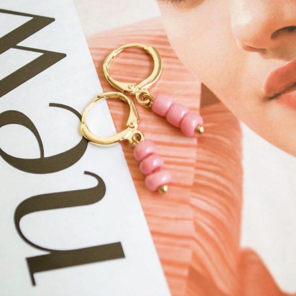 Handgemaakte oorbellen pink beads