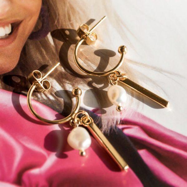 Handgemaakte oorbellen pearl bar