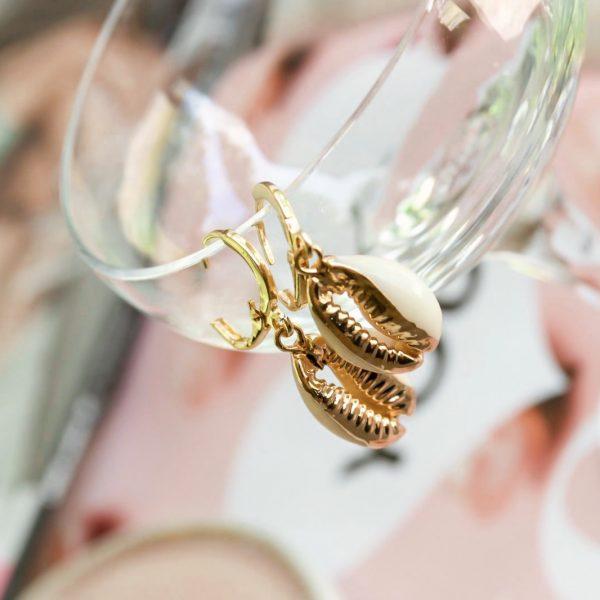 Handgemaakte oorbellen summer shell