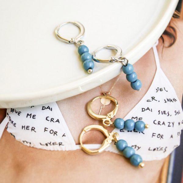 Handgemaakte oorbellen blue beads