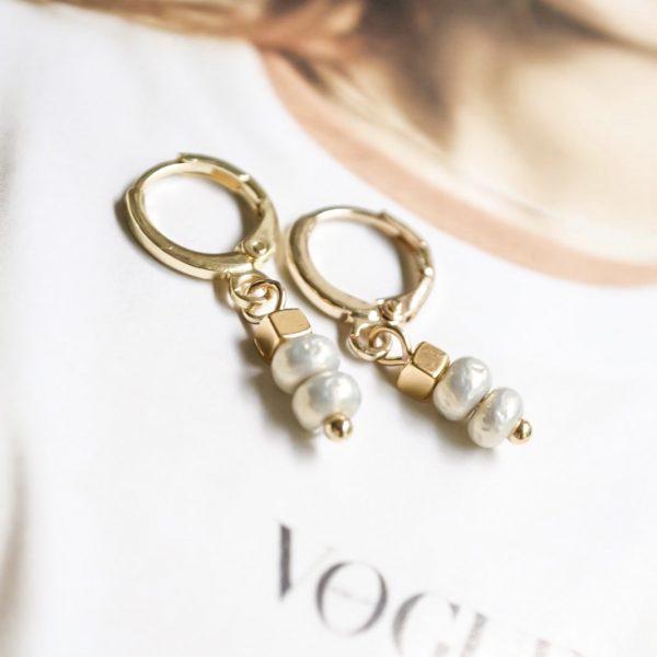 Handgemaakte oorbellen champagne stone