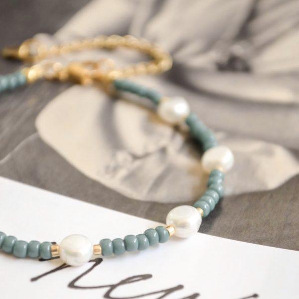 Handgemaakte armband blue pearls