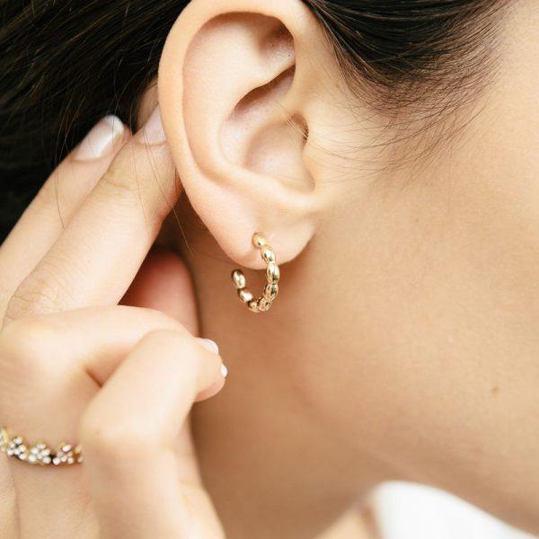 Handgemaakte oorbellen dotted rounds