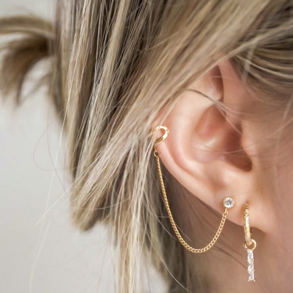 Handgemaakte earcuff shiny stud