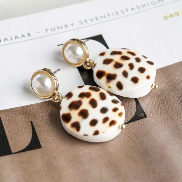 Handgemaakte oorbellen dotted pearl