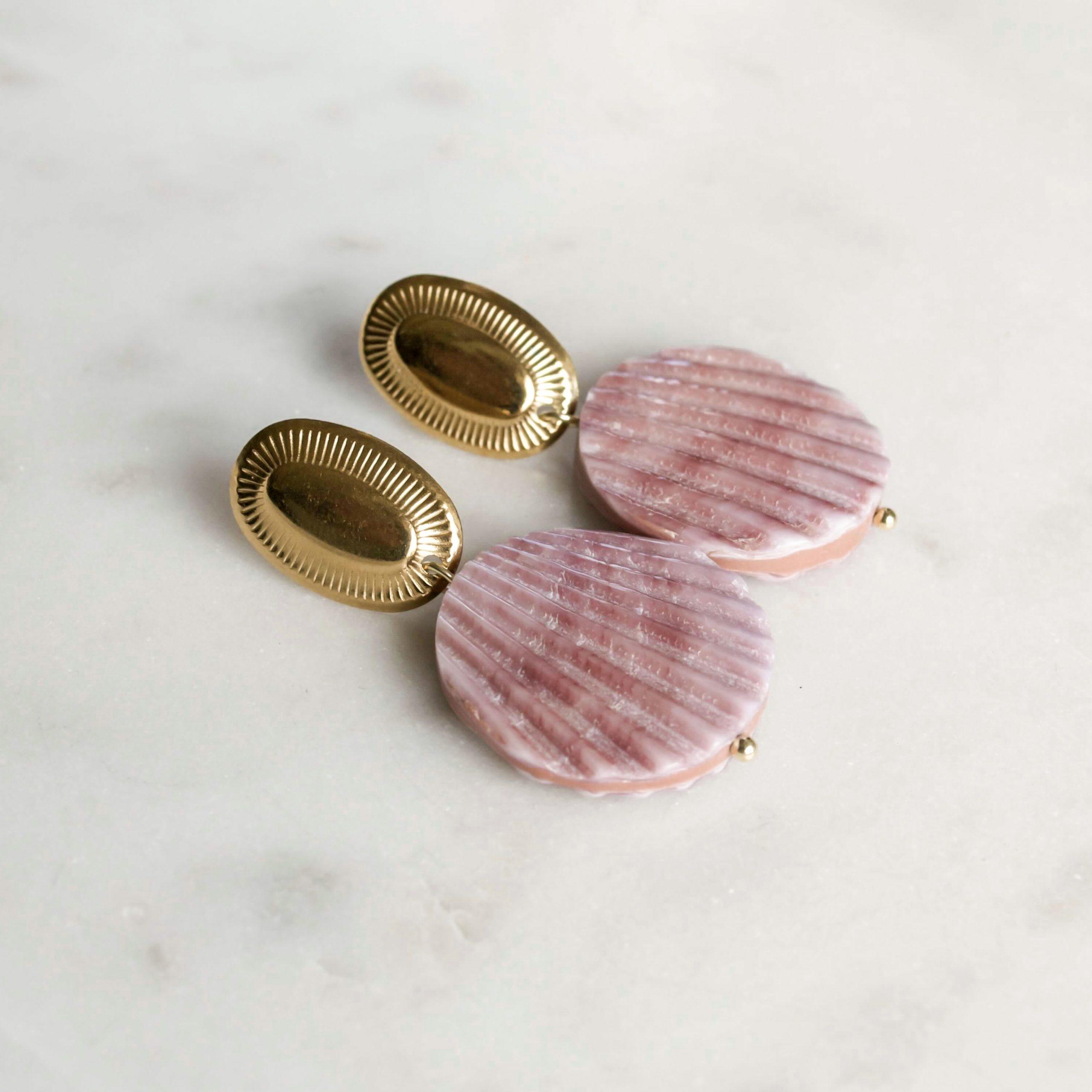 Oorbellen lila shell drops